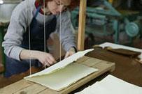 紙漉きと製本